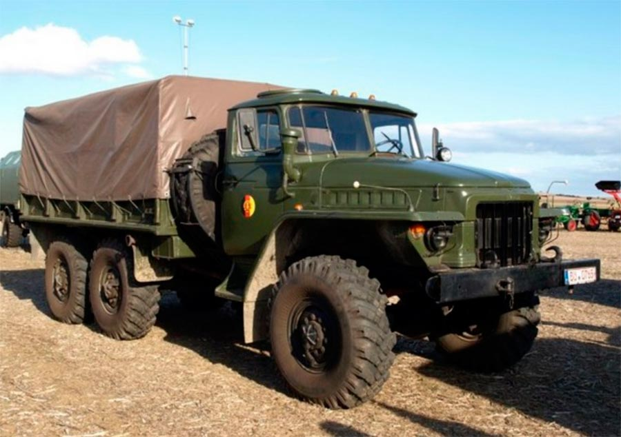 советские грузовики Урал-4320