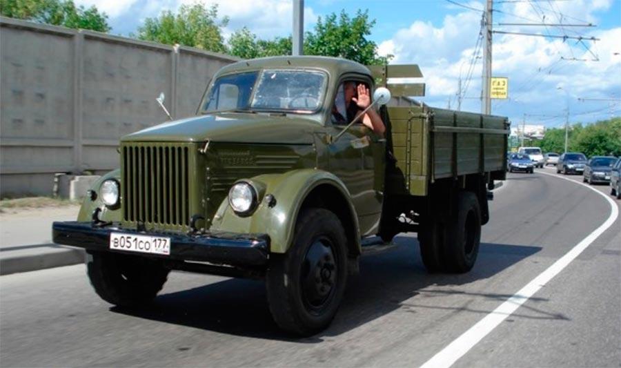 советские грузовики ГАЗ-51