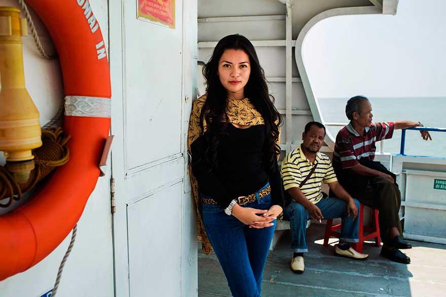 Михаэла Норок Mihaela Noroc фото женщин photos of women остров Ява Индонезия thr island of Java Indonesia