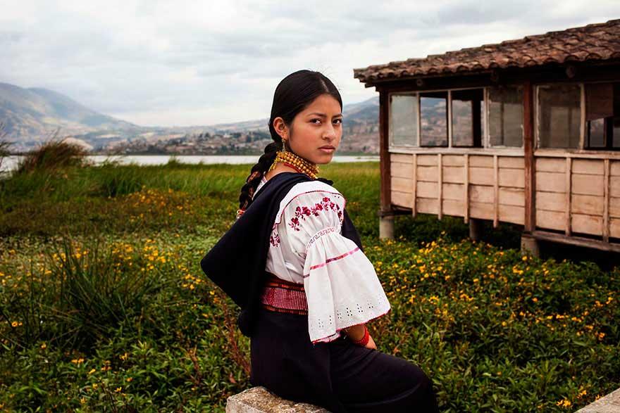 Михаэла Норок Mihaela Noroc фото женщин photos of women Отавало Эквадор Otavalo Ecuador