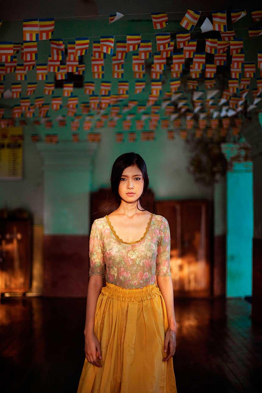 Михаэла Норок Mihaela Noroc фото женщин photos of women Янгон Мьянма Yangon Myanmar