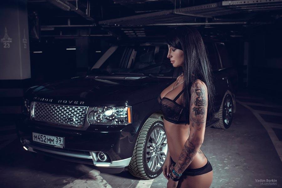 Таинственная фотосессия девушки и Range Rover Vogue