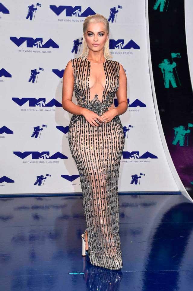 откровенные наряды знаменитостей revealiting outfits of celebrities Биби Рекса Bebe Rex