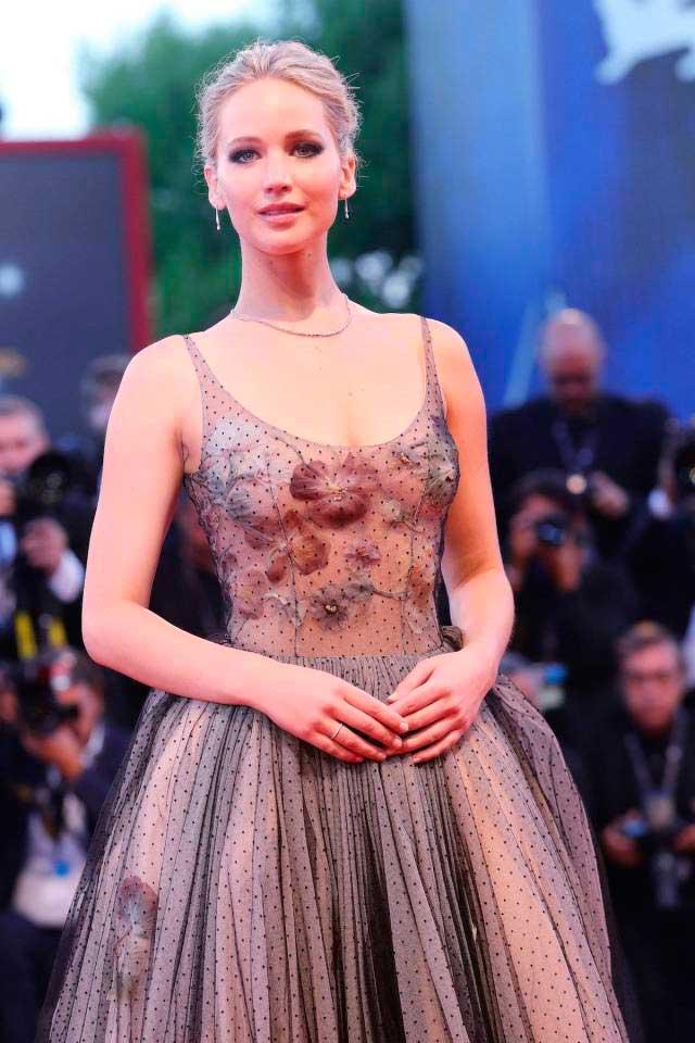 откровенные наряды знаменитостей revealiting outfits of celebrities Дженнифер Лоуренс Jennifer Lawrence