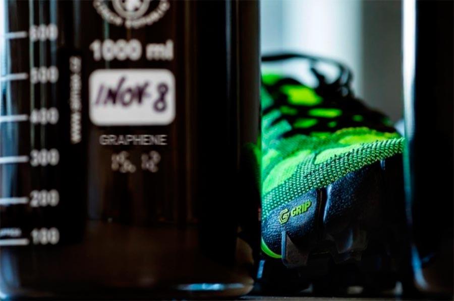 кроссовки с графеновой подошвой sneakers with graphene sole
