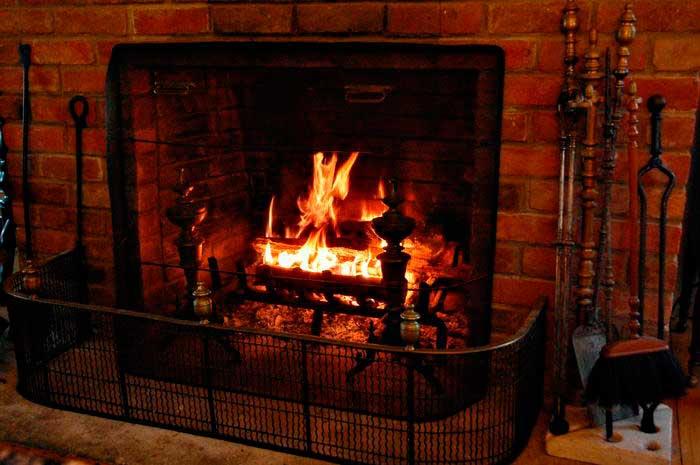 зимний уют в доме winter atmosphere in the house открытый огонь open fire