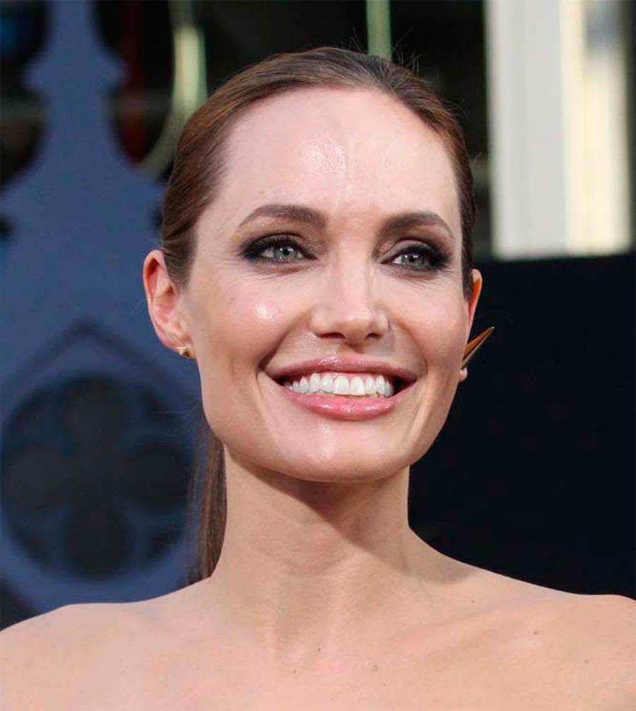 звездные улыбки Анджелина Джоли Angelina Jolie
