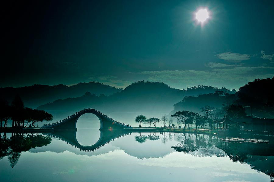 изумительные виды на земле amazing species on earth Лунный мост Тайбэй Тайвань Moon bridge Taipei Taiwan
