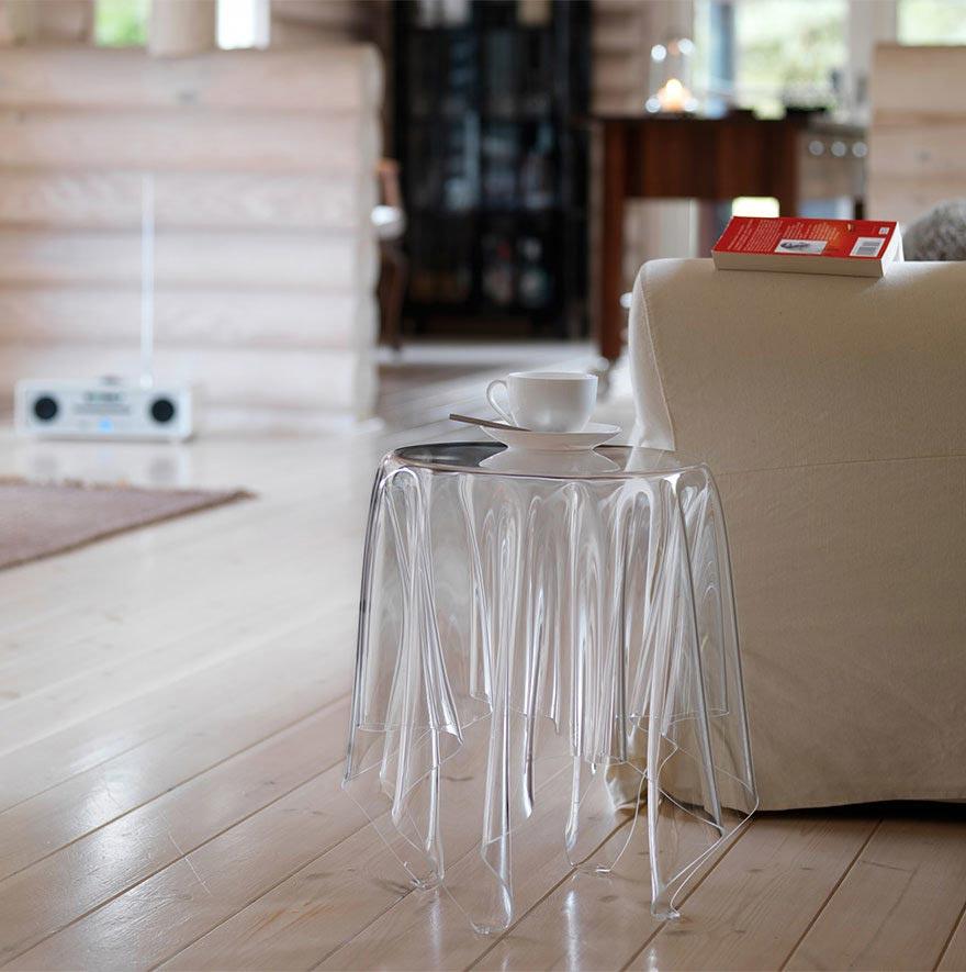 удивительный стол