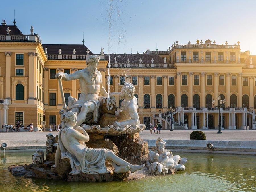 Австрия: природные и городские достопримечательности Дворец Шенбрунн