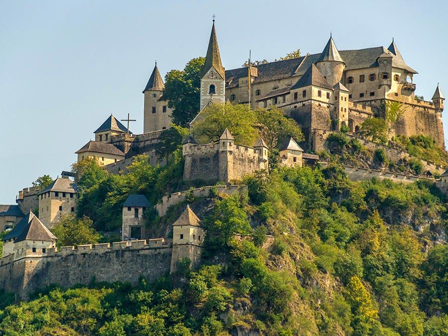 Австрия: природные и городские достопримечательности Замок Хохостервиц