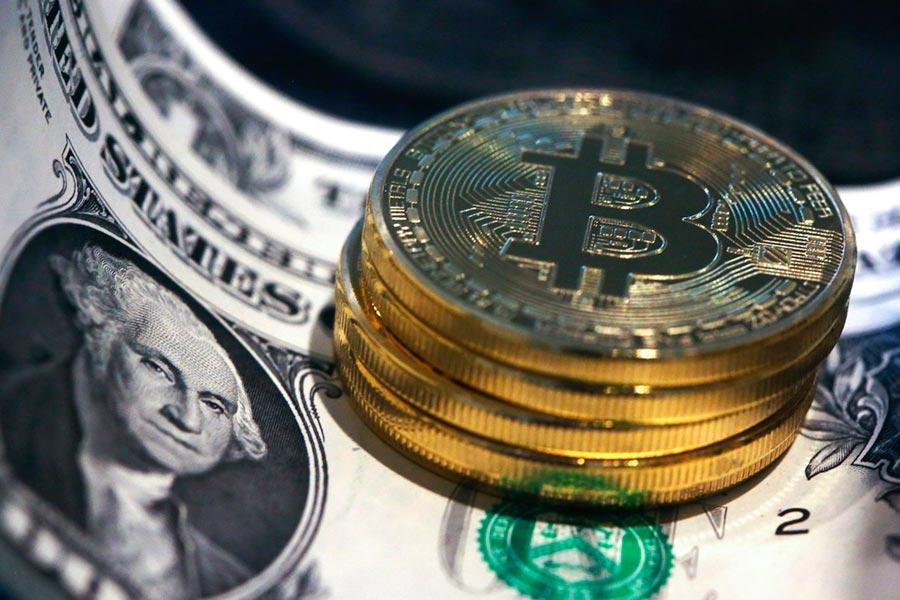 доллар и криптовалюты — мыльный пузырь dollar and cryptocurrency - bubble