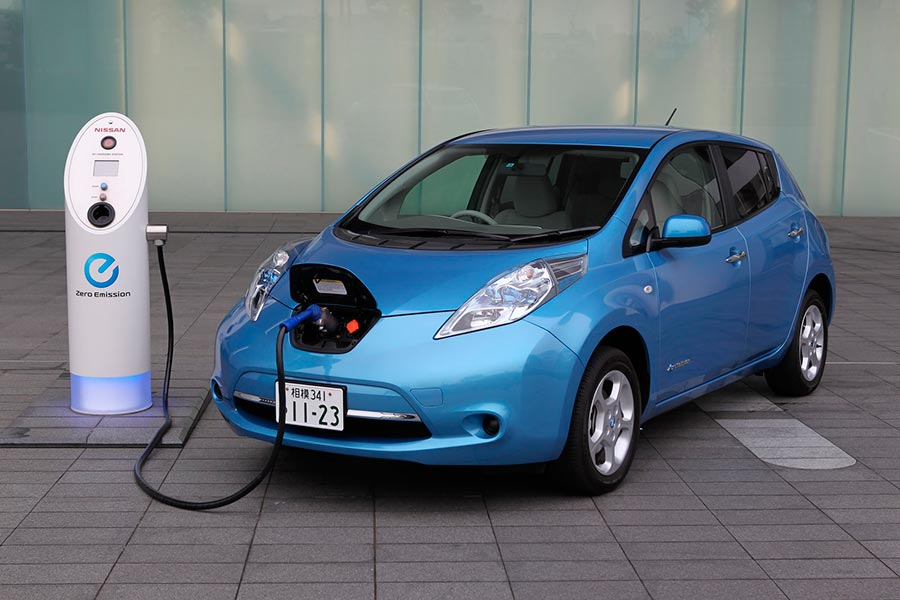 электромобили в России electric vehicles in Russia Nissan Leaf