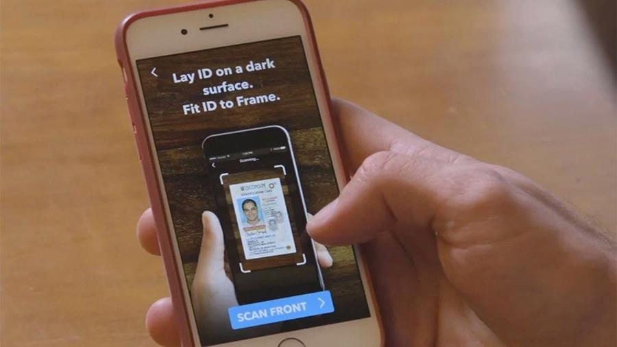 Facebook купила стартап Confirm.io, удаленно удостоверяющий личность