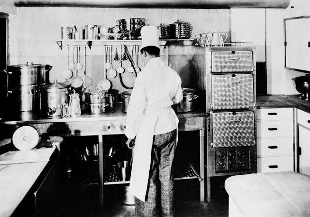 Гинденбург цеппелин Hindenburg zeppelin кухня kitchen