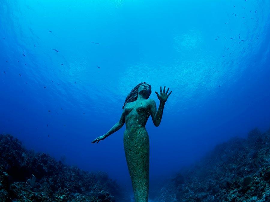 интересные подводные достопримечательности мира Статуя Амфитриты Каймановы острова Гранд Кайман