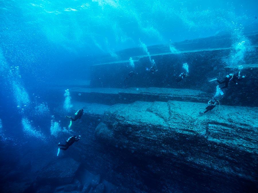 интересные подводные достопримечательности мира Подводный монумент Йонагуни Япония