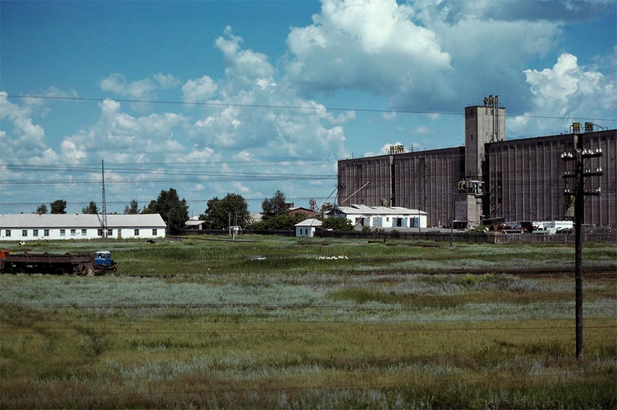 путешествие по Транссибу Барабинская степь зернохранилище