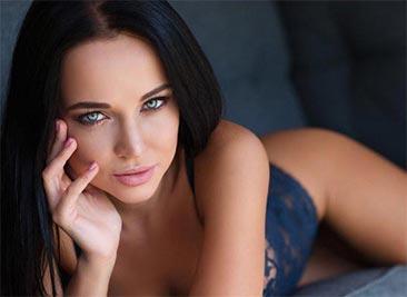 Очаровательная Ангелина
