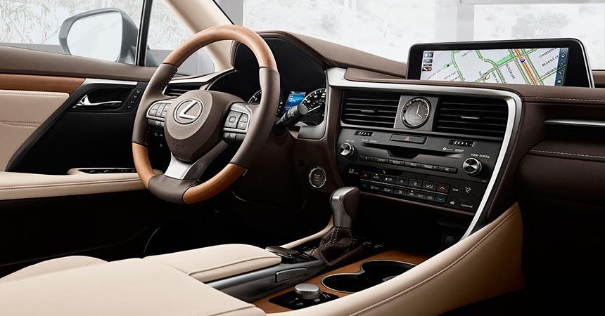 Семиместный кроссовер Lexus RX L