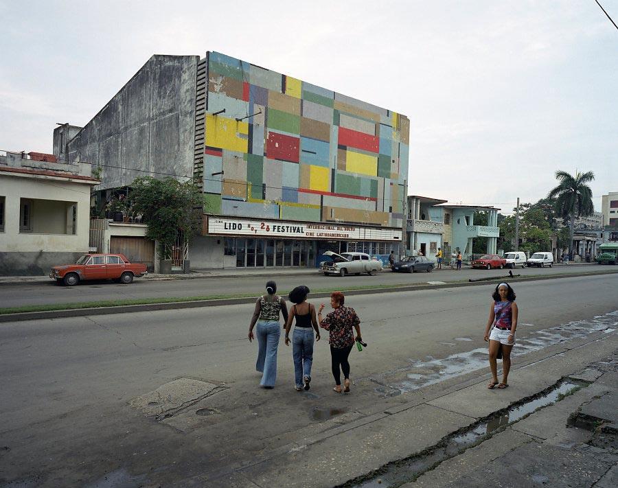 фото-проект Стефан Заубитцер: исчезающие кинотеатры мира Куба