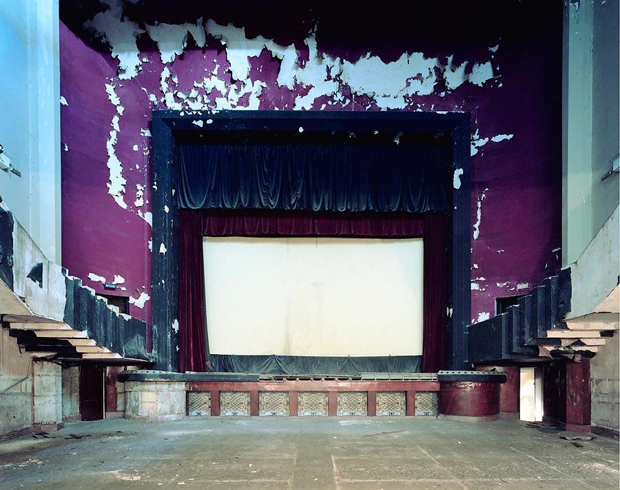 фото-проект Стефан Заубитцер: исчезающие кинотеатры мира Марокко