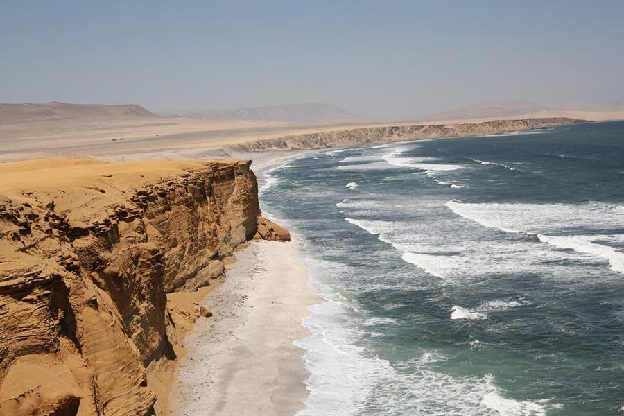 теплые места Паракас Перу