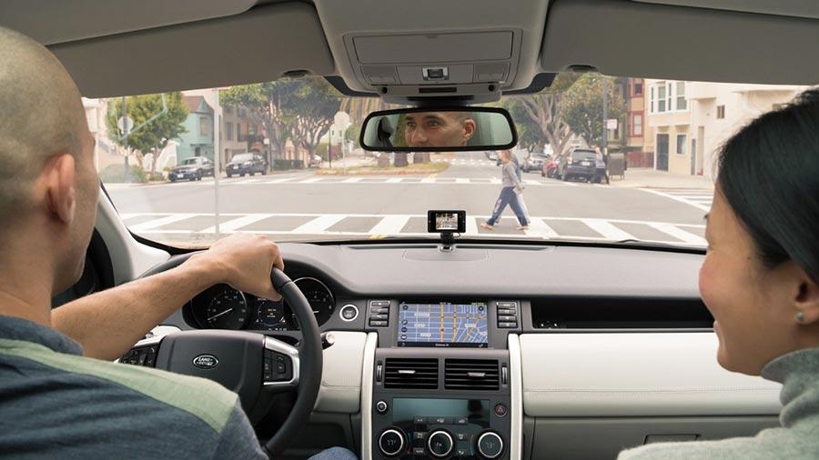 """разработчик iPod представил """"умный"""" видеорегистратор Owl Car Cam"""