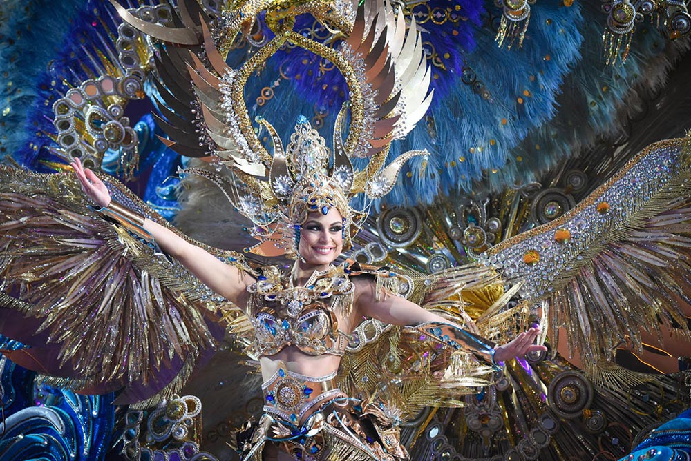 Королева карнавала Санта — Крус Сант — Крус — де — Тенериф