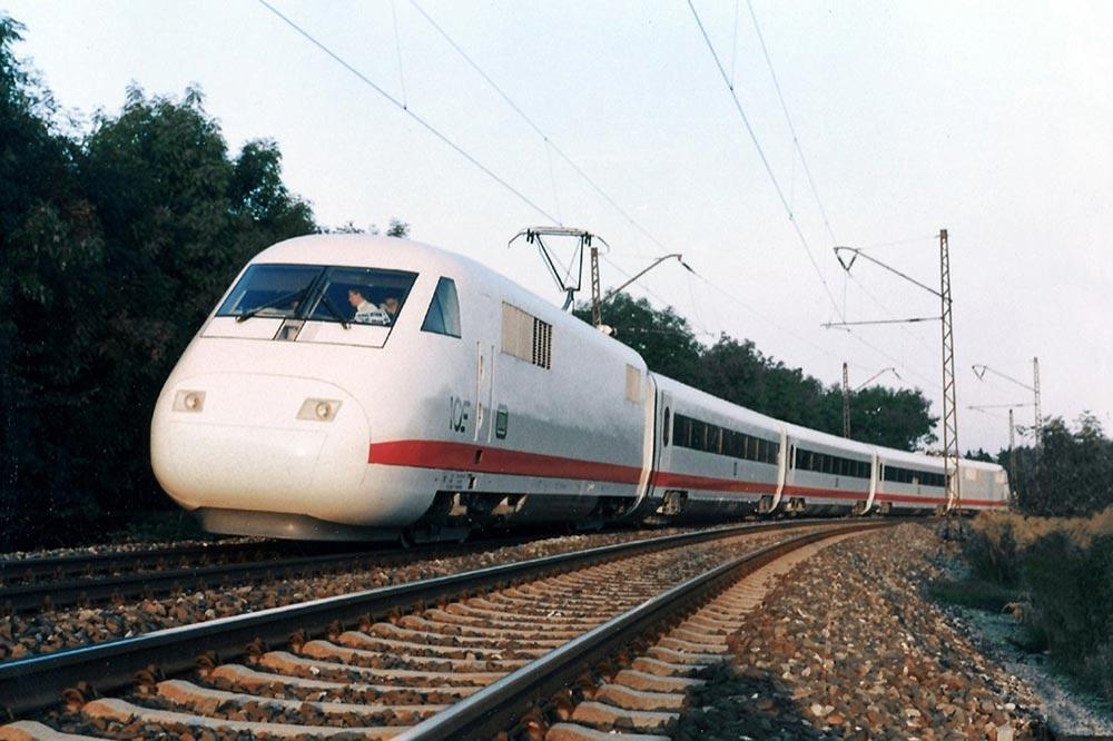 самые быстрые поезда мира Айс Ви