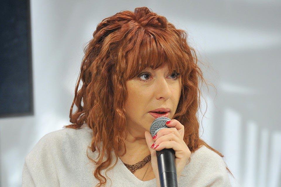 знаменитости звезды Алёна Апина