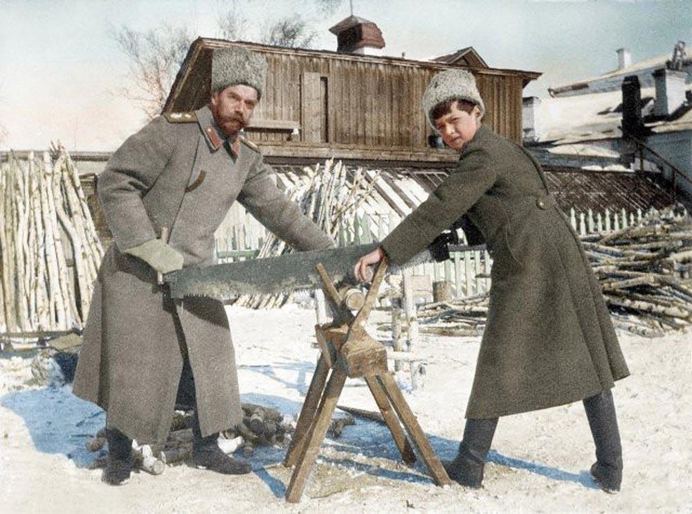 История России фото Царь Николай II с сыном цесаревичем Алексеем Тобольск