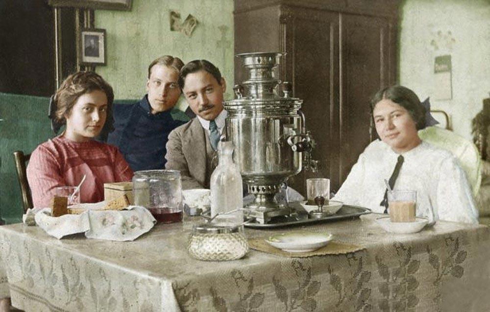 История России фото Чайная вечеринка Россия