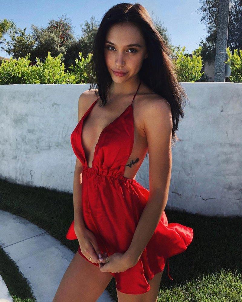 модель model Alexis Ren