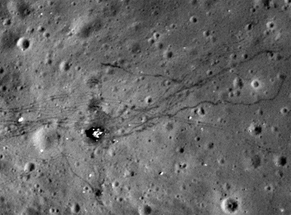 факты Луна Следы транспортных средств на лунной поверхности