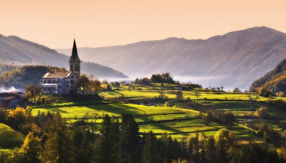 крошечные места Словения