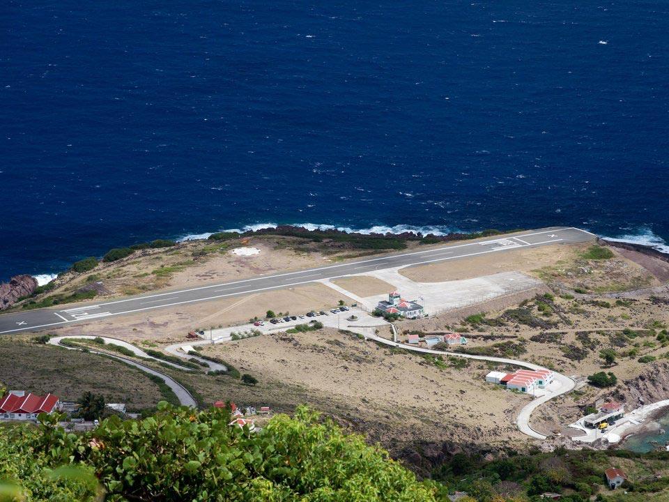страшные взлетно-посадочные полосы Аэропорт Juancho E. Yrausquin Сионская гора остров Саба