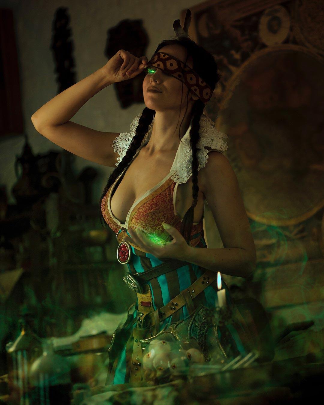 косплей по The Witcher Филиппа Эйльхарт Freya Veles