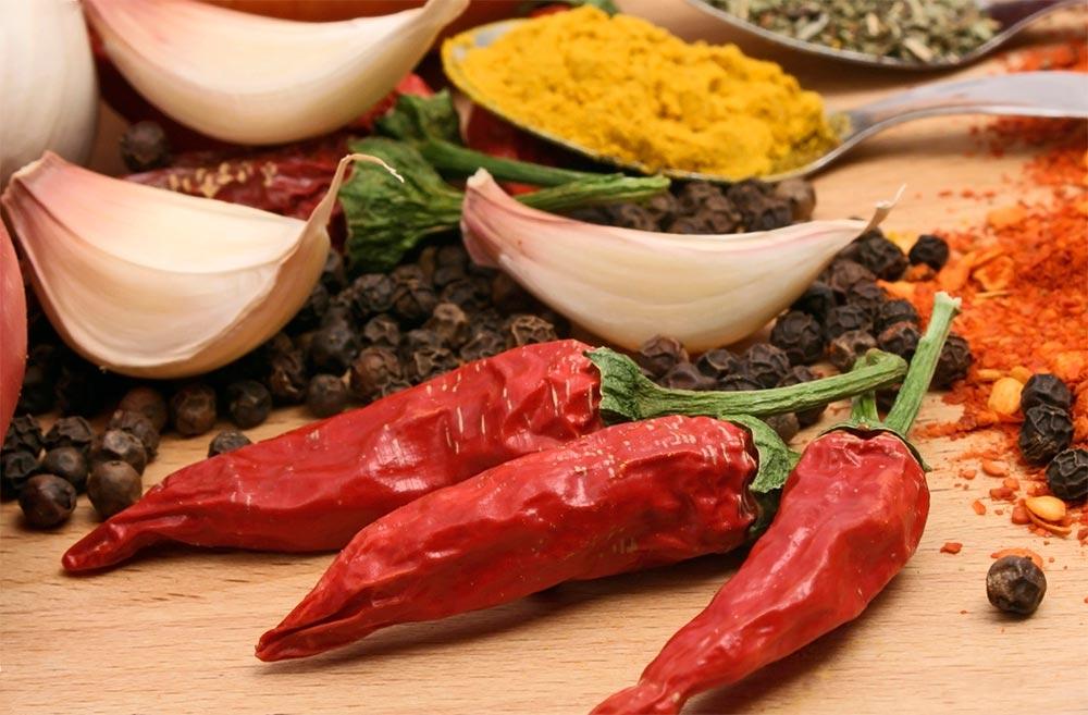 Охлаждающие советы лайфхаки пережить жару острая еда