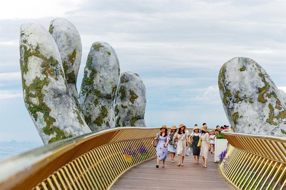 Золотой мост Дананг Вьетнам Golden bridge Da Nang Vietnam