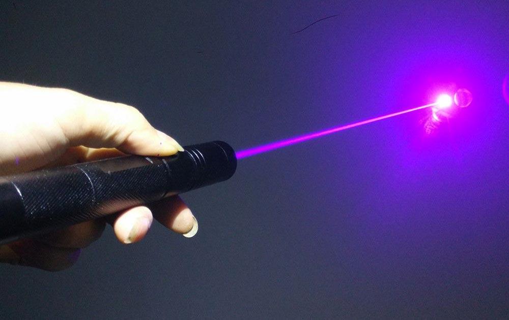 История создания лазера