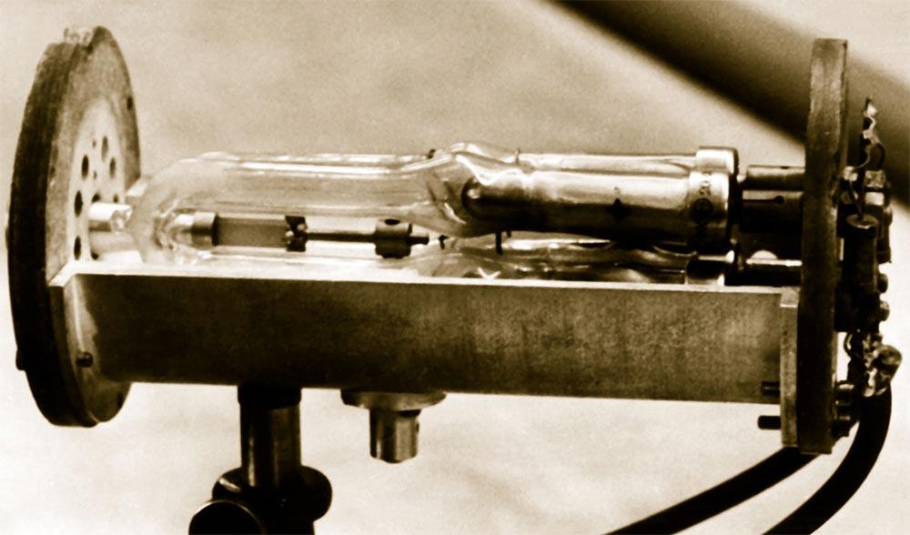 История создания лазера Первый советский рубиновый лазер, созданный в ФИАНе