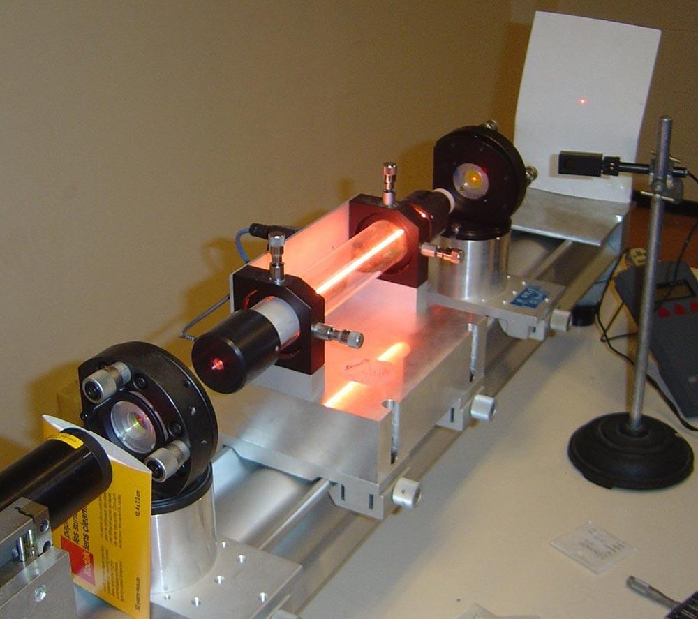 История создания лазера Гелий-неоновый лазер