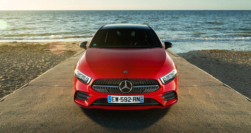 интересные новинки Хот-хэтч: Mercedes-AMG A45
