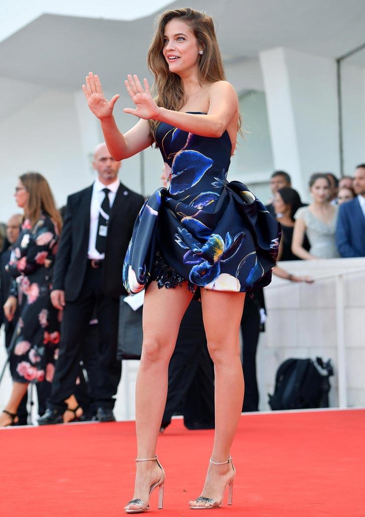 Красная дорожка Венецианского кинофестиваля знаменитости Барбара Палвин
