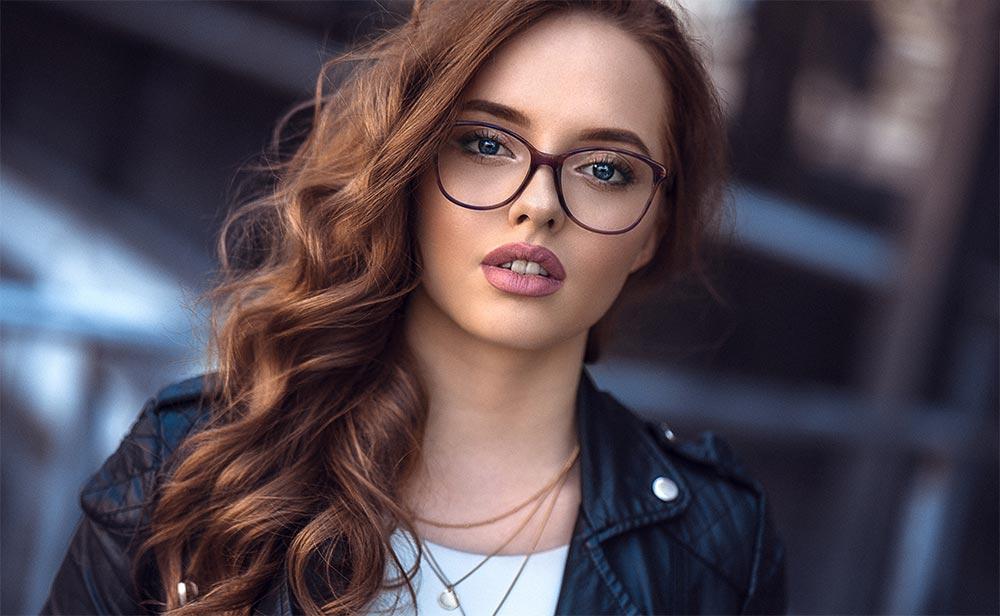 лайфхаки как выглядеть эффектно без макияжа очки