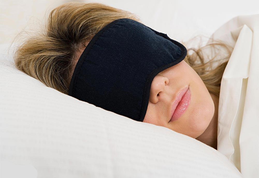 Как лучше спать ночью необычные способы