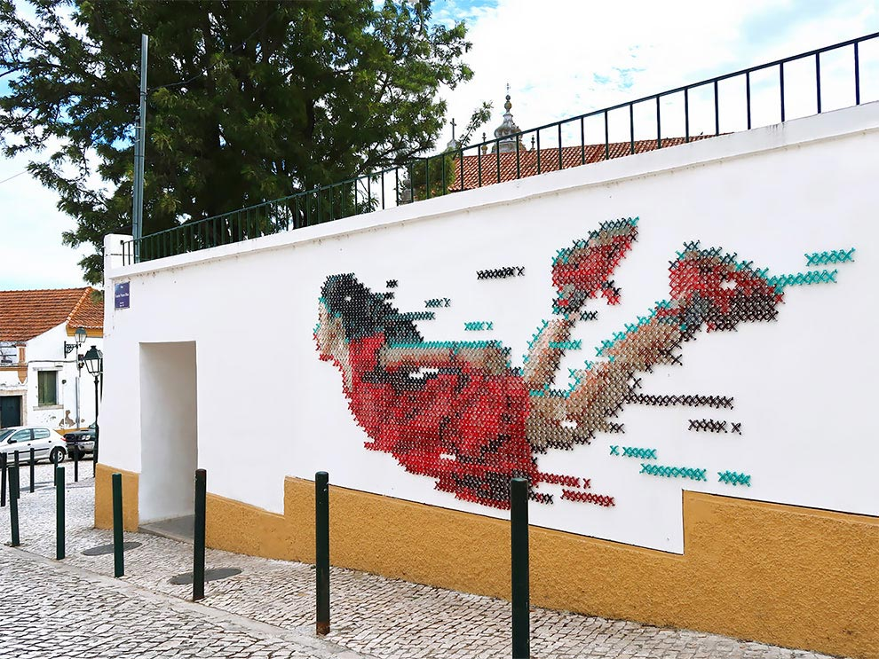 Анна Мартинс Ana Martins 700 метров шерсти для создания эпической настенной росписи