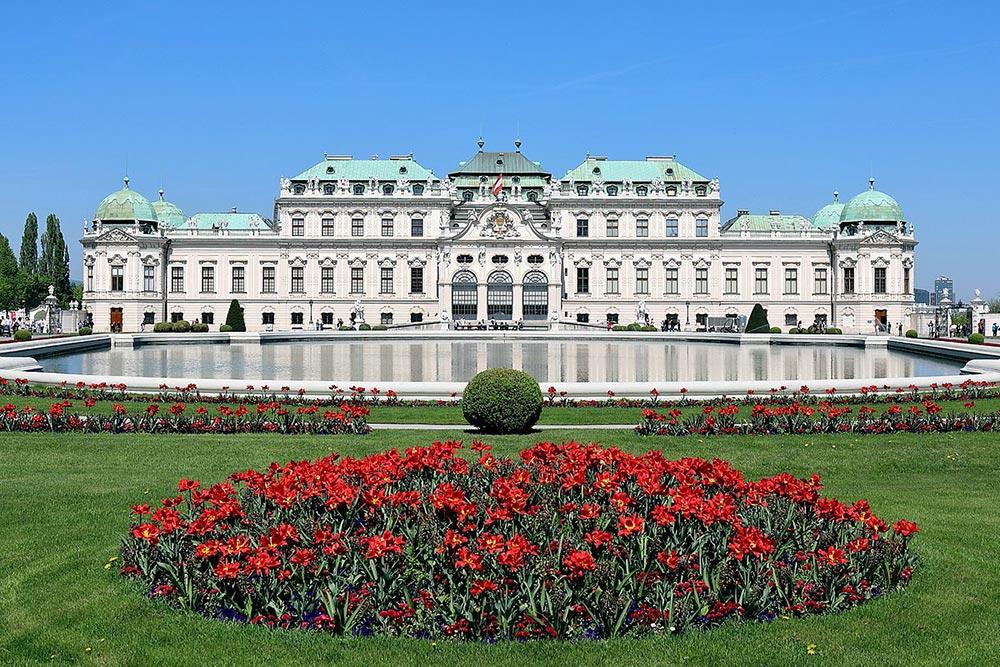 известные произведения искусства «Поцелуй» Густав Климт: галерея Бельведер, Вена