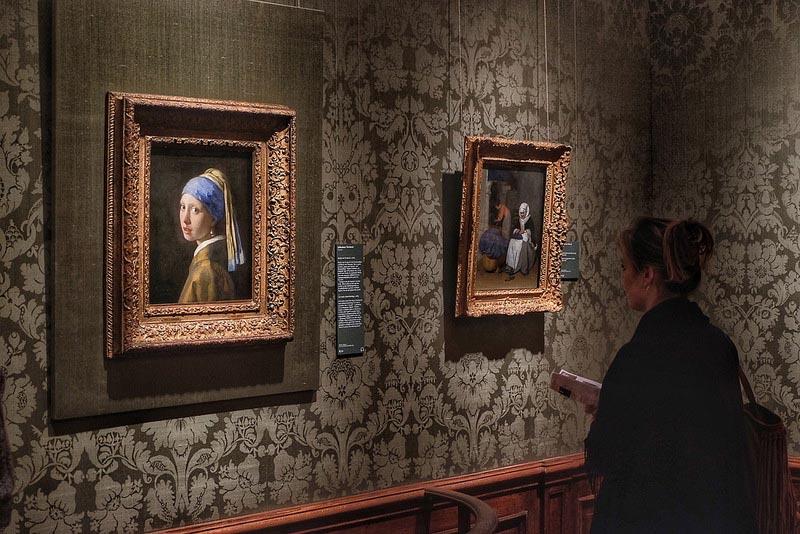 известные произведения искусства «Девушка с жемчужной серёжкой» Ян Вермеер: галерея Маурицхёйс, Гаага